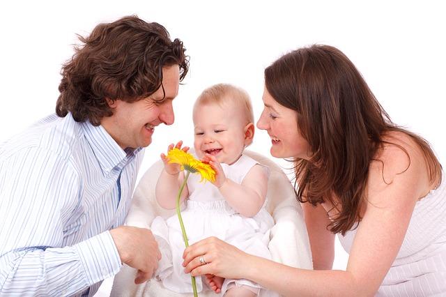 rodina s květinou