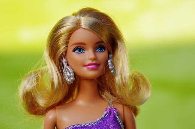 blonďatá Barbie