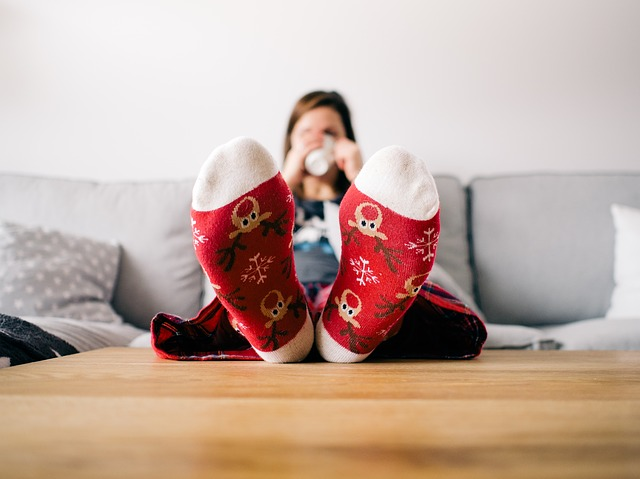 ponožky se soby, pohovka, pohodlí