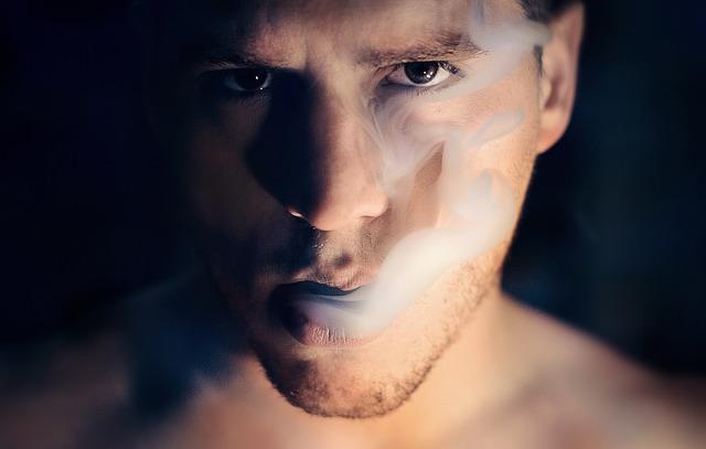 kouř z pusy