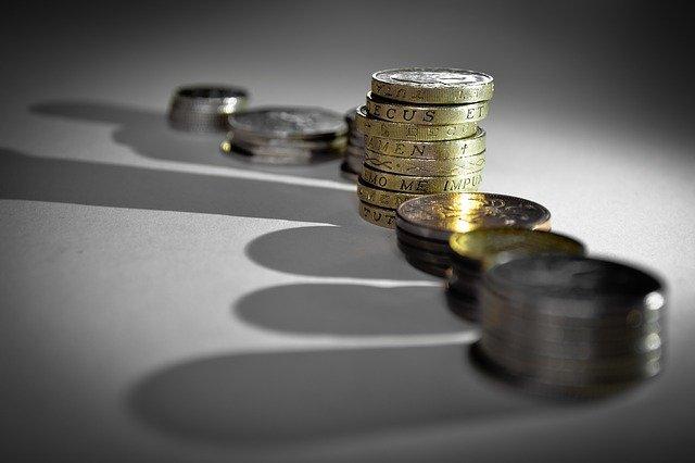 stín peněz