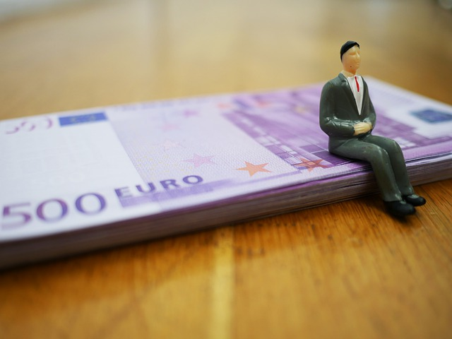 Balík peněz.jpg