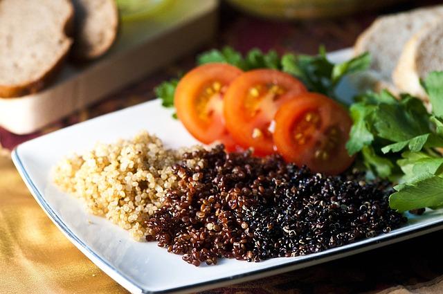 quinoa v hotové pokrmu