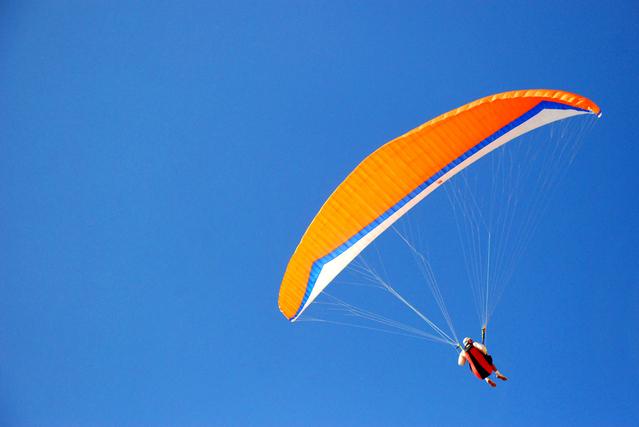 Paragliding – adrenalinový sport.jpg
